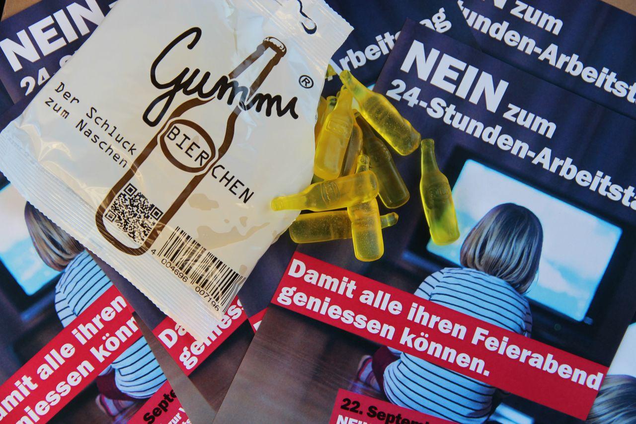 uebern_uns_kaufen_unia